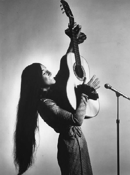 05Buffy-SainteMarie