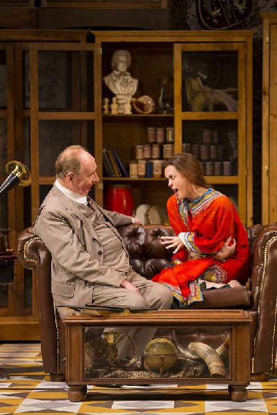 pygmalion colonel pickering The central storyline of the play is based around professor higgins and colonel pickering transforming eliza,  more about shaw's pygmalion essay.