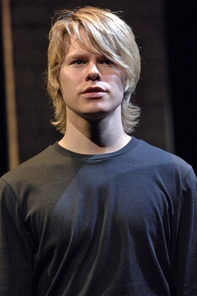 http://www.berkshirefinearts.com/uploadedImages/articles/758_Randy-Harrison-Inter605420.jpg