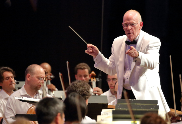 Conductor Richard Kaufman